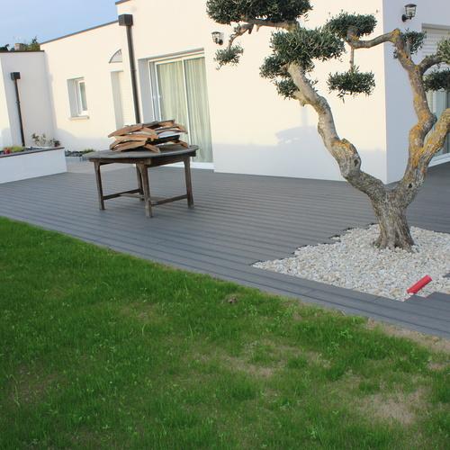 Réaménagement de la terrasse et de la cour - HILLION