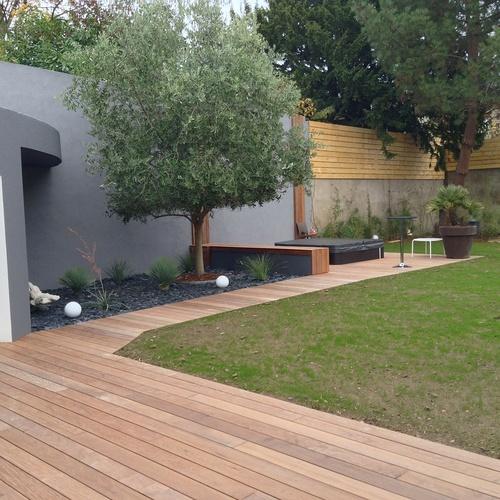 Aménagement d''une terrasse en bois et installation d''un spa - SAINT-BRIEUC