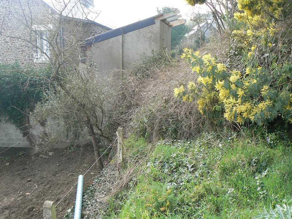 Aménagement d'un terrain en pente, accueil de la maison et aménagement de différentes zones du jardin - Binic p1240010