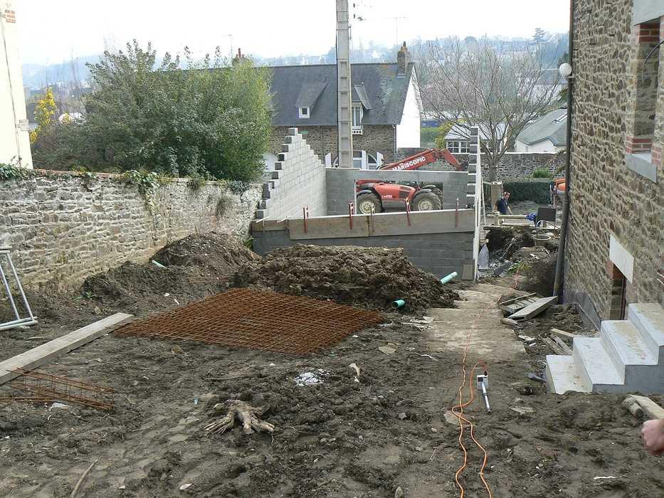 Aménagement d'un terrain en pente, accueil de la maison et aménagement de différentes zones du jardin - Binic p1240022