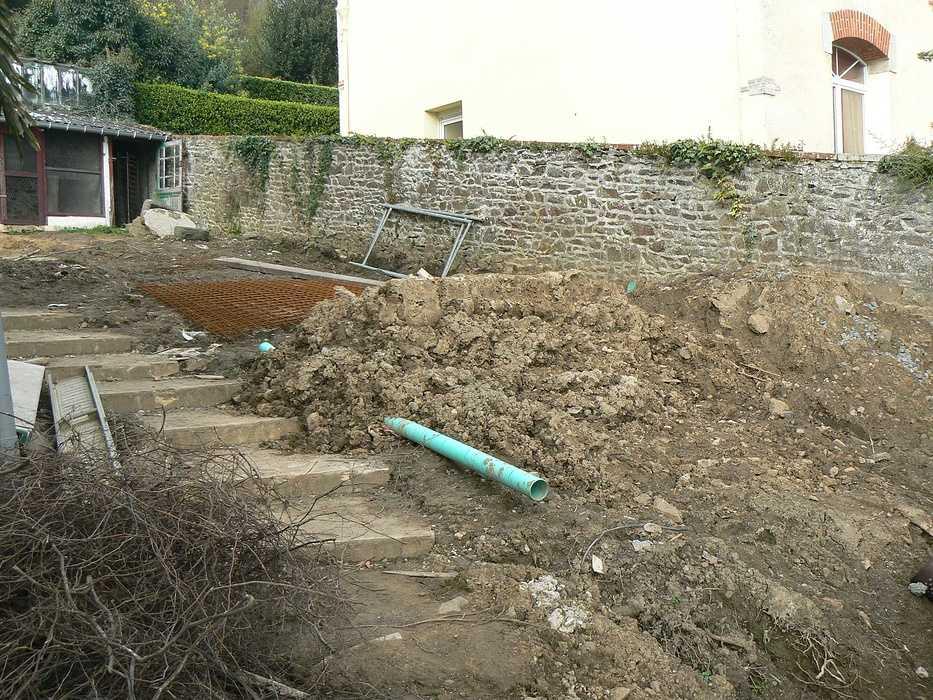 Aménagement d'un terrain en pente, accueil de la maison et aménagement de différentes zones du jardin - Binic p1240038