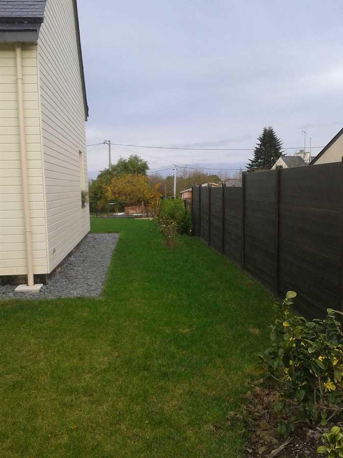Terrasse en bois avec clôture pour masquer le vis à vis - PLOUEZEC 2012-11-2011.46.40