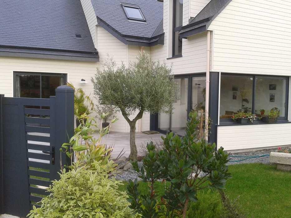 Terrasse en bois avec clôture pour masquer le vis à vis - PLOUEZEC 2012-11-2011.47.50