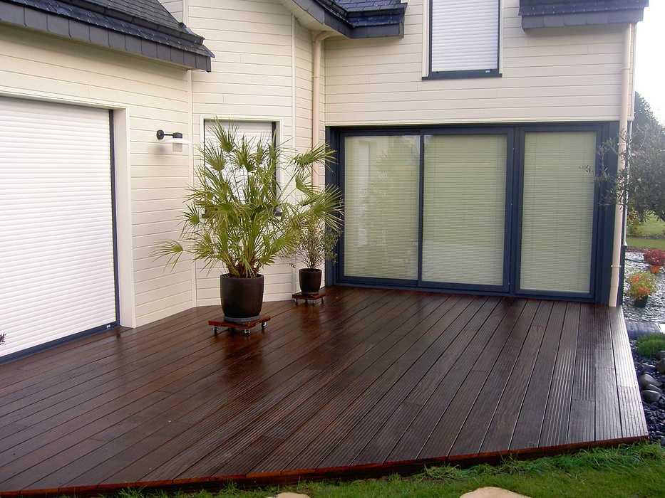 Terrasse en bois avec clôture pour masquer le vis à vis - PLOUEZEC pict2875