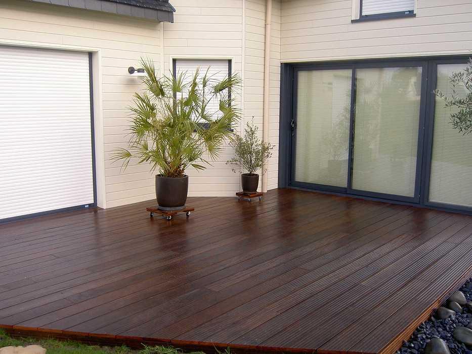 Terrasse en bois avec clôture pour masquer le vis à vis - PLOUEZEC pict2878