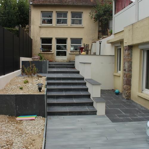 Agrandissement de l''espace et installation d''un spa