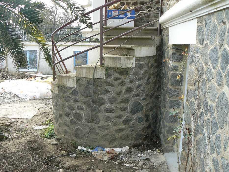 Aménagement d'un terrain en pente, accueil de la maison et aménagement de différentes zones du jardin - Binic p1240036
