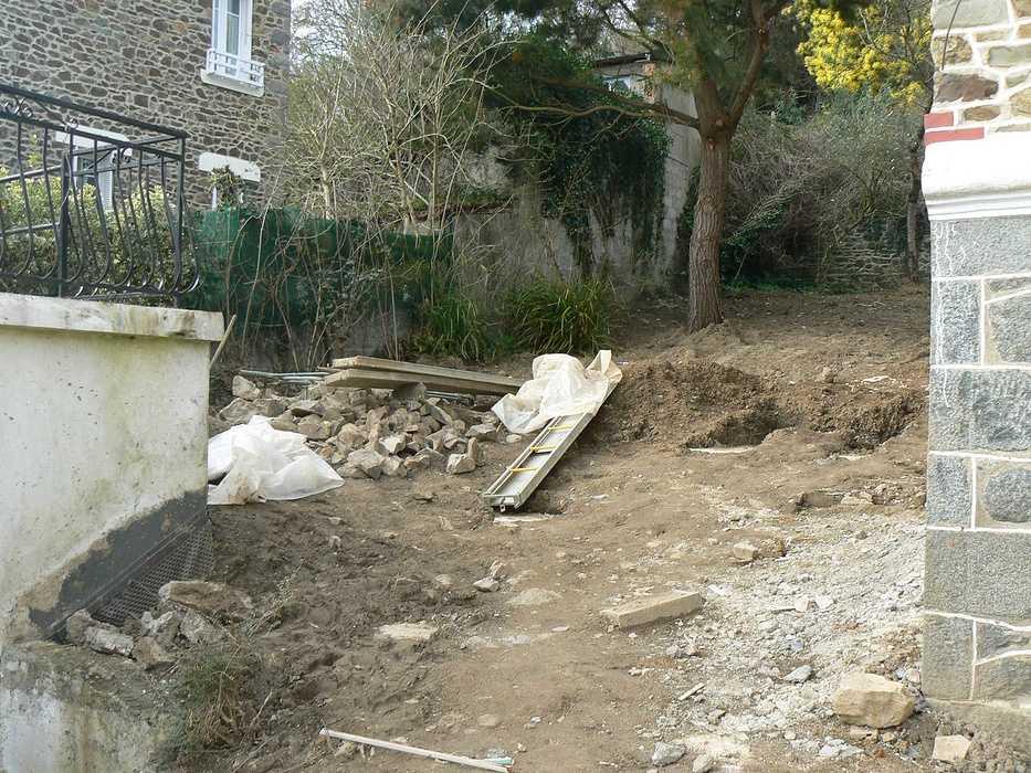 Aménagement d'un terrain en pente, accueil de la maison et aménagement de différentes zones du jardin - Binic p1240040